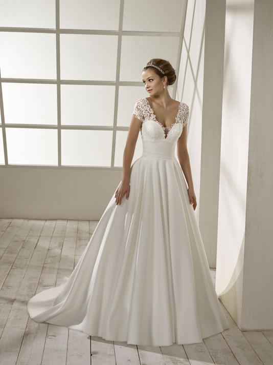 Divina Sposa Robe 192 33 Empire Du Mariage
