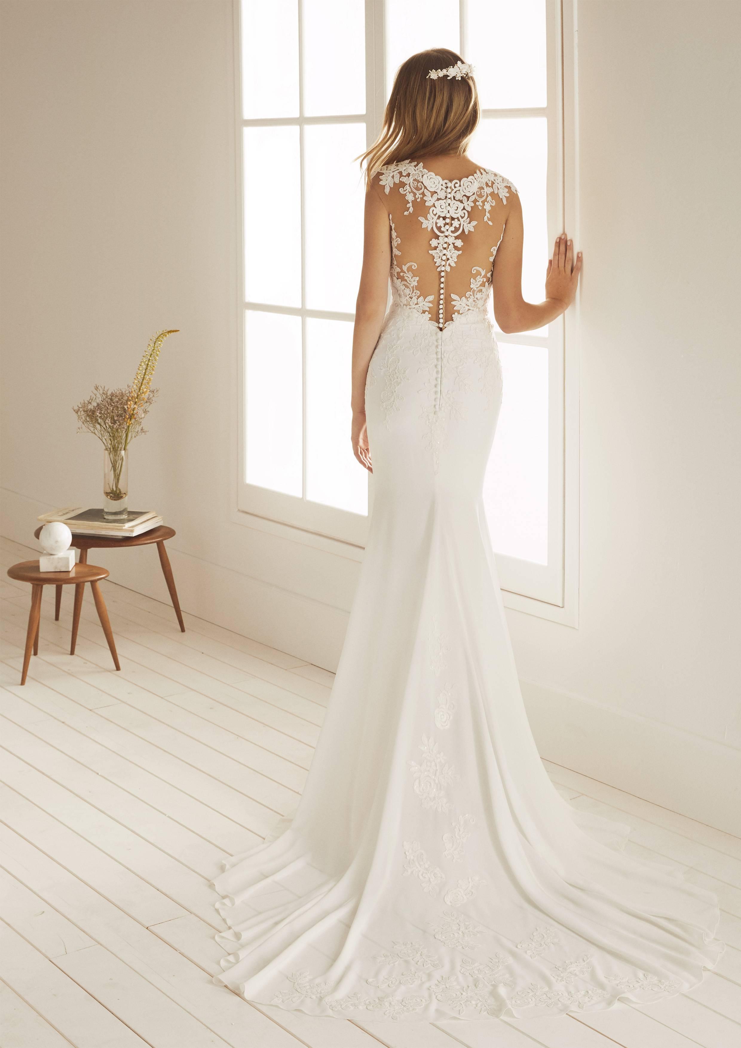 White One / Robe OCALA - Empire du Mariage